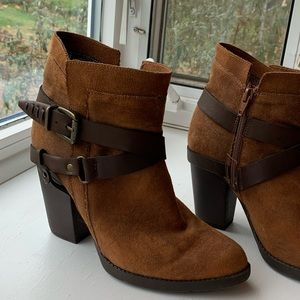 7.5 Felt Brown Booties with Buckles